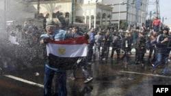 Mısır'daki Siyasi Karışıklık Yatırımcıları da Kaygılandırıyor
