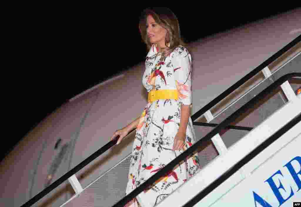 Melania Trump chega ao aeroporto Internacional Jomo Kenyatta em Nairobi. 4 Outubro, 2018
