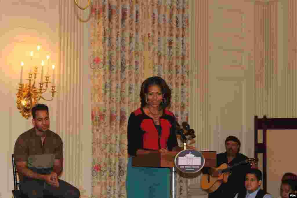 Michelle Obama presentó el taller sobre el origen de la música latina en el marco de las celebraciones por el Mes de la Herencia Hispana.