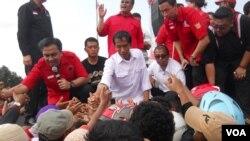 Calon Presiden dari PDI Perjuangan untuk Pemilu 2014, Jokowi, mengaku pernah mendapat teror diantaranya penyadapan di rumah dinas gubernurnya di Jakarta (Foto: dok/VOA-Andylala)