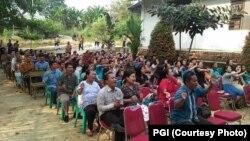 Jemaat Gereja Sidang Jemaat Allah (GSJA) di Kelurahan Kenali Barat, Kecamatan Alam Barajo, Kota Jambi sedang beribadah, 30 september 2018. (Foto: PGI)