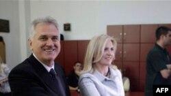 Tomislav Nikolić glasa u drugom krugu izbora za predsednika Srbije