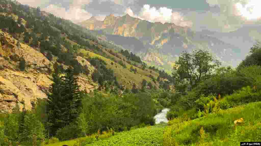 منظرۀ زیبای دیگر از شهر پارون، مرکز ولایت نورستان