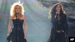 Little Big Town actuando durante la entrega de premios ACM en Las Vegas, Nevada, en 2012.