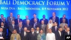 Para menteri luar negeri menghadiri Bali Democracy Forum. (VOA/Muliarta)