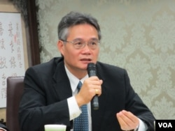 淡江大学战略研究所教授 翁明贤 (美国之音张永泰拍摄)