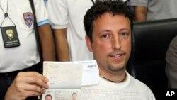意大利公民馬拉爾迪已經報失的護照被盜用登上馬來西亞的307航班。
