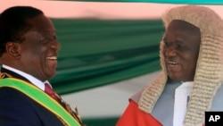 UChief Justice Luke Malaba loMongameli Emmerson Mnangagwa.
