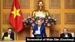 Thủ tướng Nguyễn Xuân Phúc trong một cuộc họp chính phủ ở Hà Nội hồi giữa tháng 1/2020