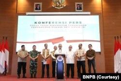 Juru Bicara Penanganan Virus Corona Achmad Yurianto saat menggelar konferensi pers di kantor BNPB, Jakarta, Sabtu, 14 Maret 2020. (Foto: Courtesy/BNPB)