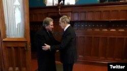 روس کے وزیر خارجہ سرگئی لاروف پاکستانی ہم منصب شاہ محمود قریشی کے ساتھ