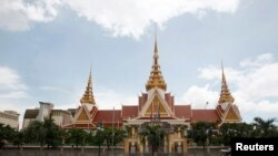 Gedung majelis Nasional Kamboja di Phnom Penh, 26 Agustus 2014. (Foto: dok).