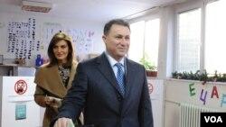 Nikola Gruevski glasa na današnjim izborima u Makedoniji