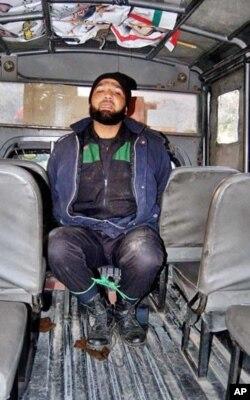 سلمان تاثیر کو گولیوں سے ہلاک کرنے والا ایلیٹ فورس کا ملک ممتاز قادری پولیس کی تحویل میں۔