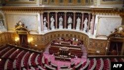 Fransız Senatosu İnkar Yasasını Onayladı