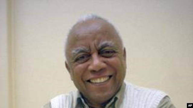 Dr Neeveel Aleksaandar