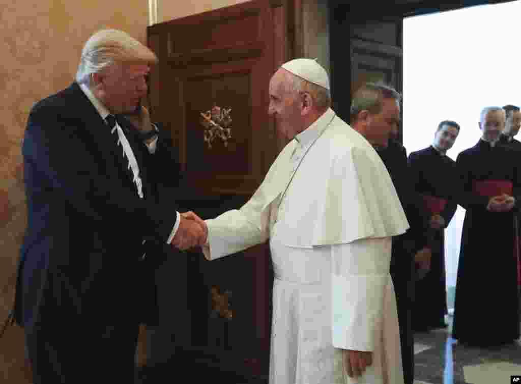 دیدار پاپ فرانسیس با دونالد ترامپ، رئیس جمهوری آمریکا، در واتیکان.