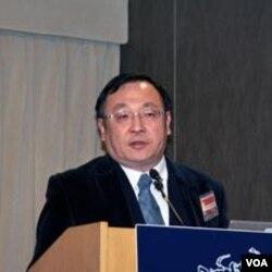淡江大学美国研究所教授 陈一新( 美国之音张永泰拍摄)