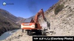 د چین او افغانستان تر منځ په سړک کار رون دی.