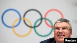 국제올림픽위원회 토마스 바흐 위원장이 지난해 12월 모나코에서 2024년 하계 올림픽 개최지 선정과 관련하여 기자회견을 하고 있다. (자료사진)