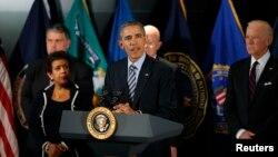 Presiden Barack Obama menjelaskan mengenai langkah-langkah kontra terorisme di McLean, Virginia, Kamis (17/12).