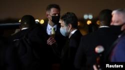 美国国务卿布林肯7月28日从新德里抵达科威特国际机场。