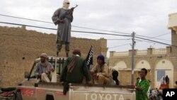 Tentara pemberontak Islamis bergerak ke selatan dan merebut kota Diabaly dari pasukan Mali hari Senin 14/1 (foto: dok).