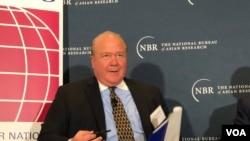 全美亞洲研究所(NBR)副總裁甘浩森(Roy Kamphausen)2019年6月19日主持一場研討會(美國之音黎堡)