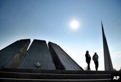 Genotsid qurbonlari yodgorligi. Yerevan, Armaniston