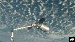 La cápsula Cygnus se prepara para acoplarse a la Estación Espacial Internacional el jueves, 24 de mayo, de 2018.