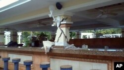 Kerusakan di bar di dalam Hotel Riu, Guanacaste, Kosta Rika, setelah gempa dahsyat Rabu (5/9). (Foto: Courtesy)