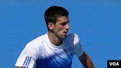Novak Djokovic melaju ke babak perempatfinal Australia Terbuka 2012 (foto:dok).