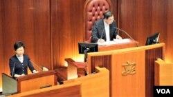 香港新任特首林鄭月娥首次出席立法會答問大會。(美國之音湯惠芸攝)