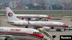 Máy bay của hãng hàng không Eastern Airlines Trung Quốc tại phi trường quốc tế Hồng Kiều ở Thượng Hải (ảnh chụp ngày 29/7/2014)