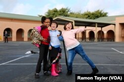 Students enjoy recess at Salt Creek Elementary School in Chula Vista, California. (R. Taylor/VOA)