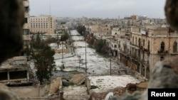 Thiệt hại do những vụ dội bom gây ra ở thành phố Aleppo, ngày 10/2/2015.