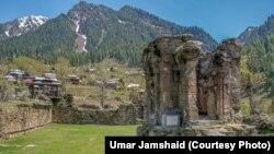 پاکستانی کشمیر میں واقع بارہویں صدی کے تاریخی شاردا مندر کی باقیات، فائل فوٹو