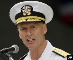 第七艦隊司令約瑟夫·奧克林