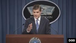 Zëdhënësi i Pentagonit, Peter Cook