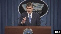 피터 쿡 국방부 대변인 (자료사진)
