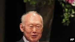 Singapore's Minister Mentor Lee Kuan Yew speaks during the 16th International Conference on The Future of Asia, organized by Nikkei Inc., a Japanese newspaper company, Thursday, May 20, 2010, in Tokyo, Japan. (AP Photo/Shuji Kajiyama)