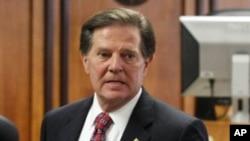 Former US House Majority Leader Tom DeLay awaits sentencing, 10 Jan 2011