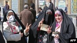 Birači na parlamentarnim izborima u predgrađu Teherana