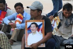 FILE: Snuol district villagers in Kratie province protested in Phnom Penh in April, asking intervention from Prime Minister Hun Sen over a land dispute with rubber plantation company, April 23, 2018. (Sun Narin/VOA Khmer)