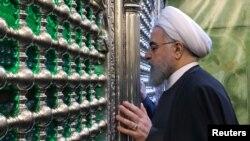 Serokê Îranê Hasan Ruhanî li merqedê Îmam Al-Kazim