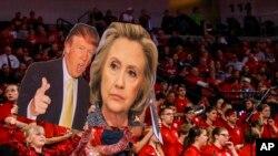 Poster bakal calon presiden Amerika, Trump and Clinton. (Foto: dok.)
