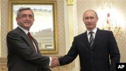 Ռուսաստանի վարչապետ Պուտինի հանդիպումը Հայաստանի նախագահ Սարգսյանի հետ (արխիվային լուսանկար)