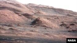 Foto permukaan Planet Mars yang dikirim oleh kendaraan antariksa Curiosity (23/8).