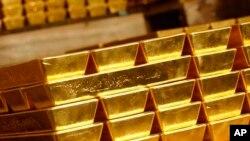 უნცია ოქრო 1758 დოლარი ღირს