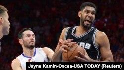 Tim Duncan des Spurs de San Antonio le 2 mai 2015.
